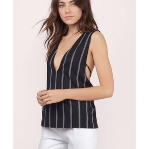 NWT 🌵 B&W Striped Plunging Deep V Tank Top Tobi